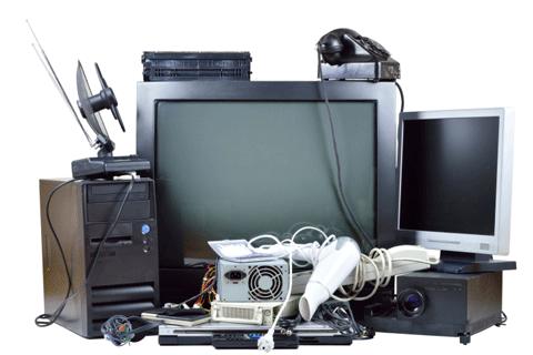 不要となったテレビなどの家電たち