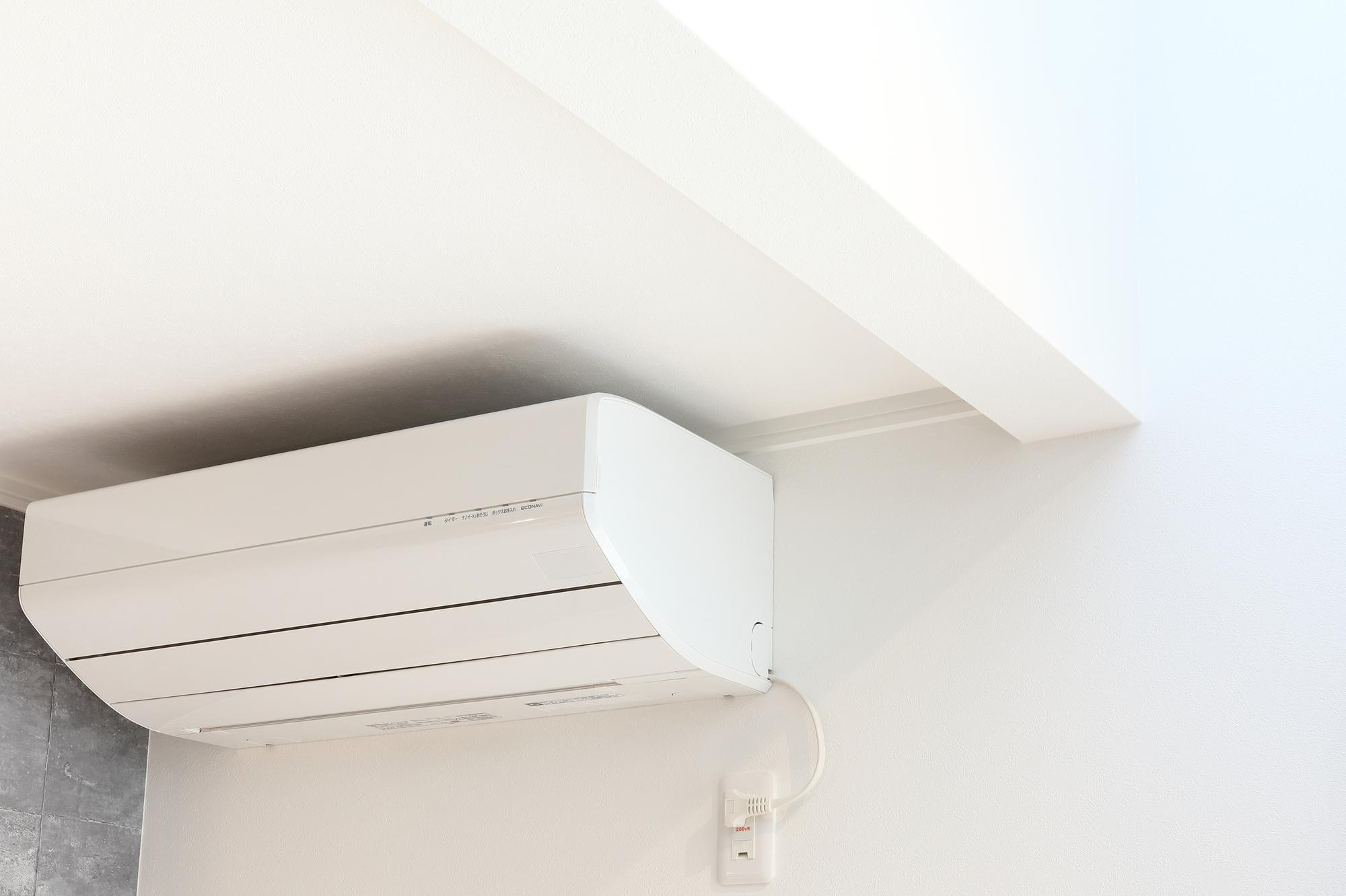 新築住宅に設置する新品のエアコン
